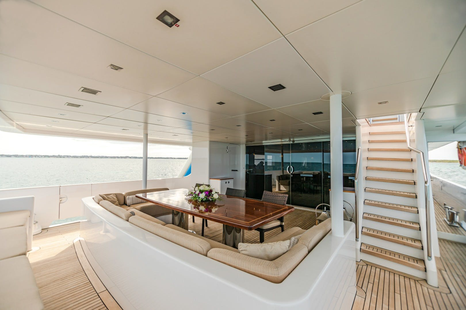 1986 Heesen Yachts 125' Tri-Deck SEA AXIS   Picture 4 of 56