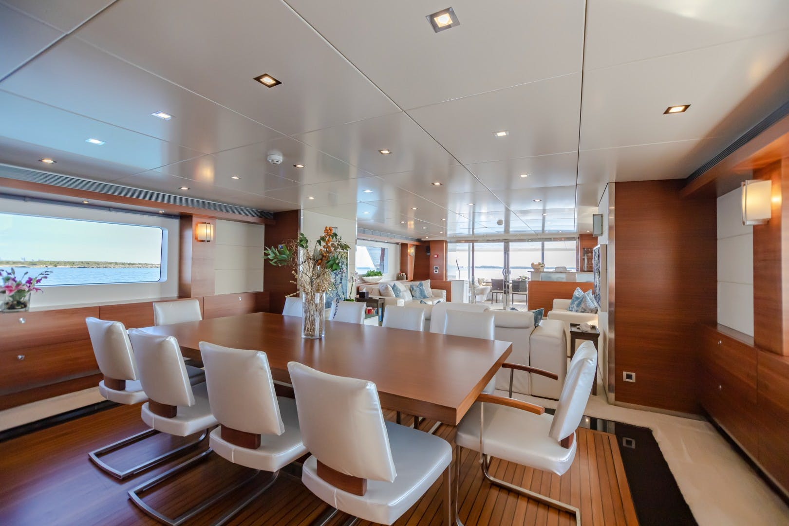 1986 Heesen Yachts 125' Tri-Deck SEA AXIS   Picture 1 of 56