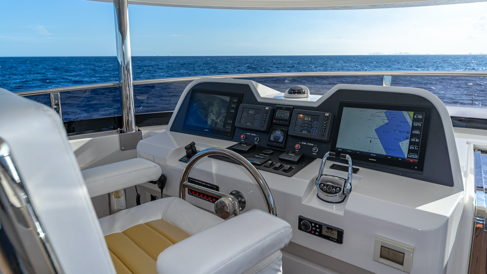 2017 Johnson 93' Flybridge Life for Sale | Picture 3 of 43