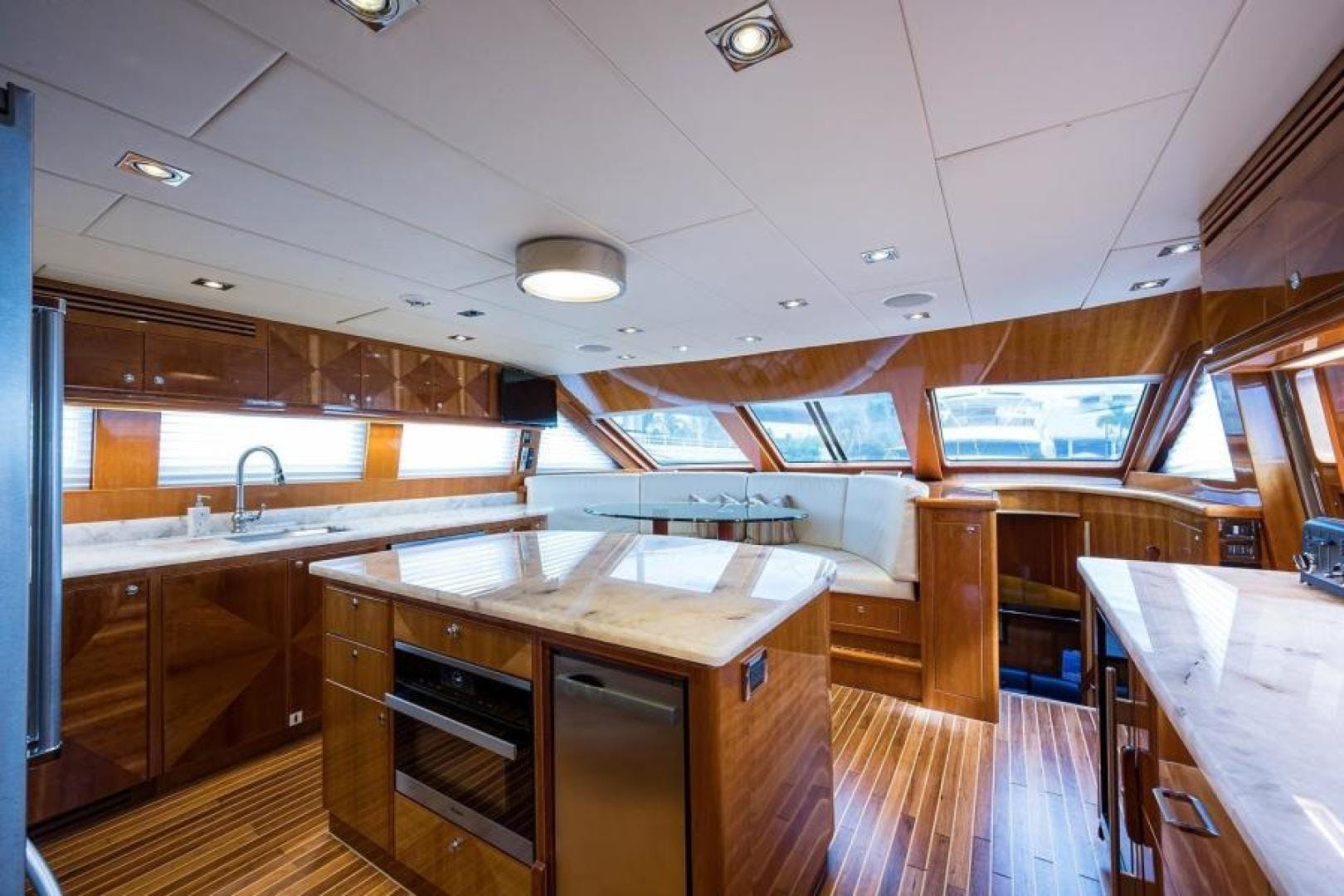 2005 Hargrave 96' Skylounge Ossum Dream | Picture 1 of 52