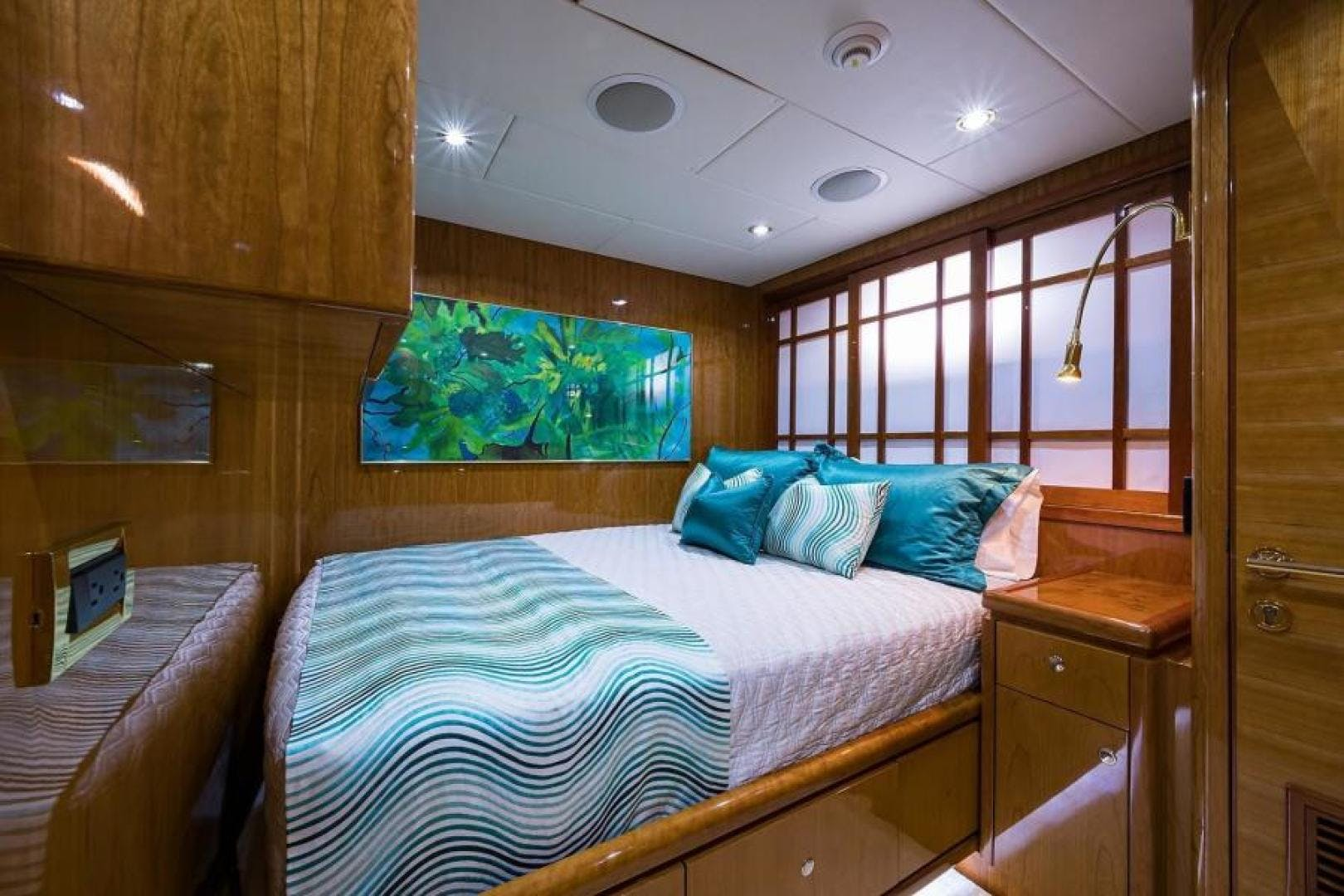 2005 Hargrave 96' Skylounge Ossum Dream | Picture 5 of 52