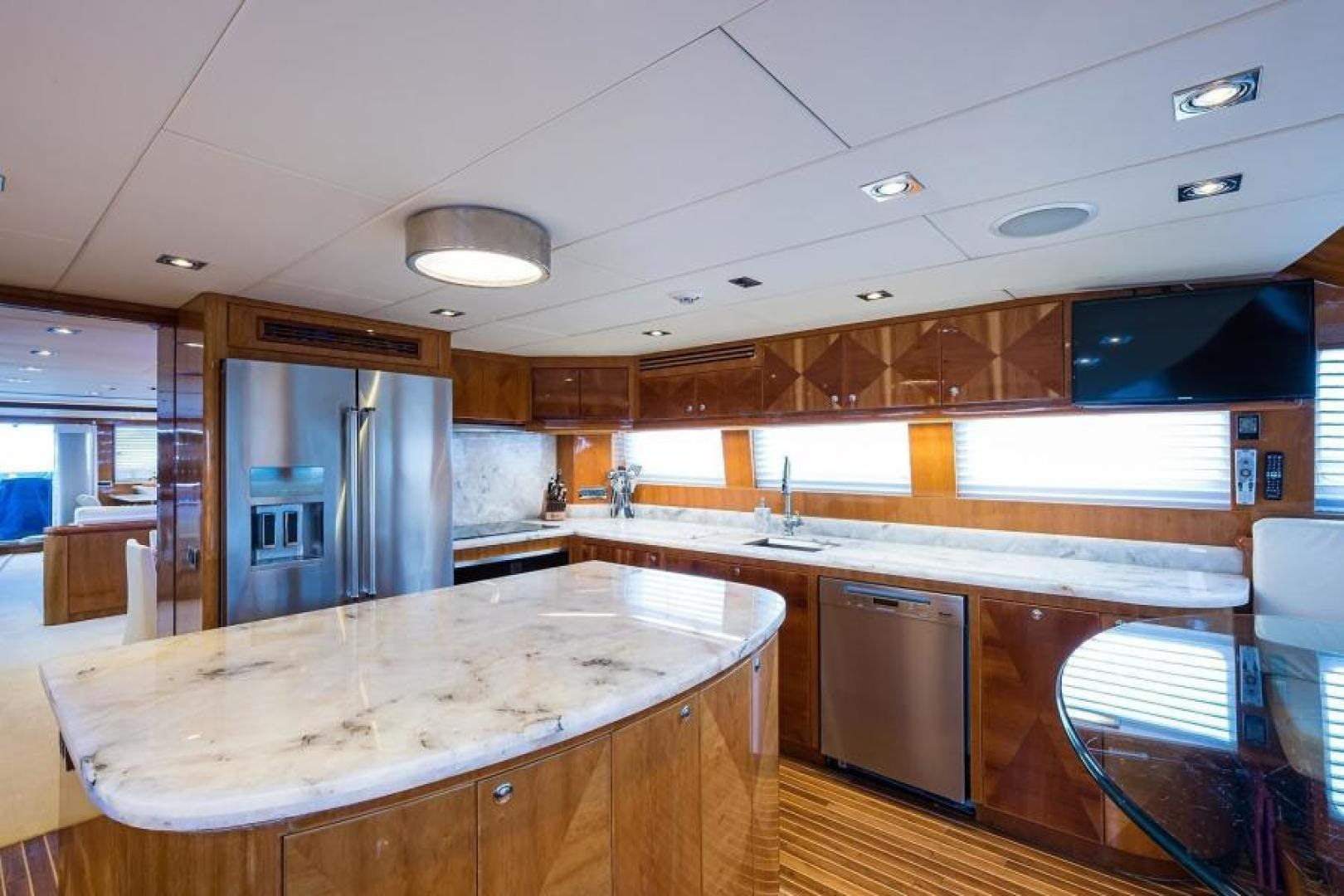 2005 Hargrave 96' Skylounge Ossum Dream | Picture 8 of 52