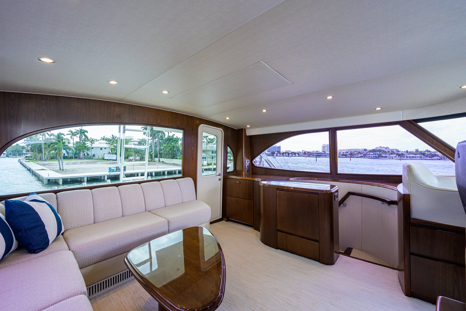 2015 Viking 76'  SIX PACK | Picture 5 of 145