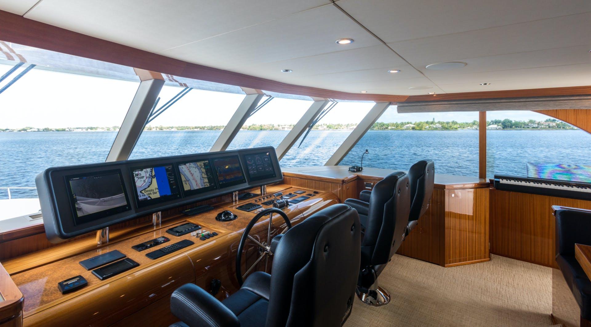 2014 Ocean Alexander 78' 78 Enclosed Bridge ANN LOUISE | Picture 2 of 39