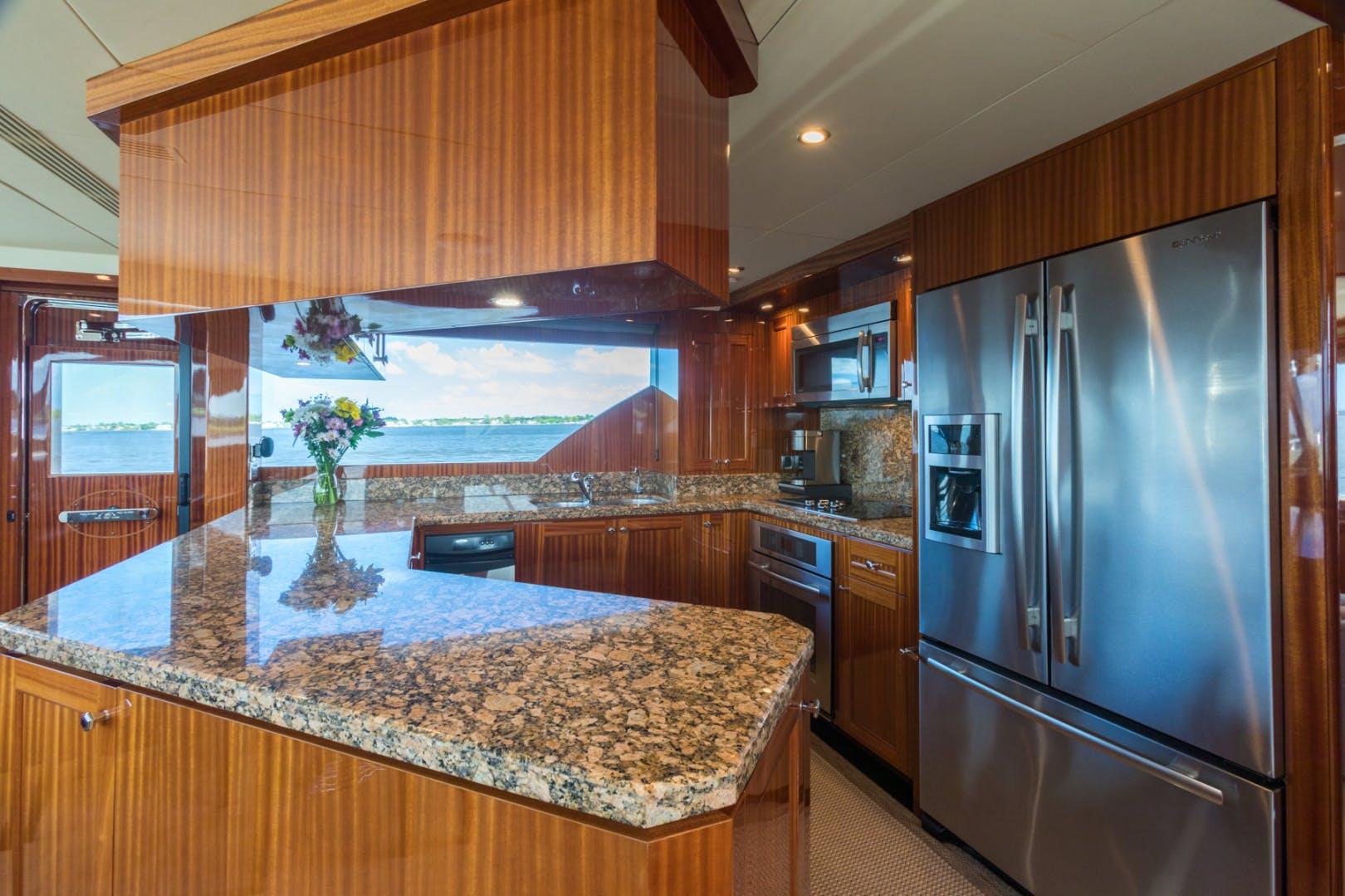 2014 Ocean Alexander 78' 78 Enclosed Bridge ANN LOUISE | Picture 4 of 39