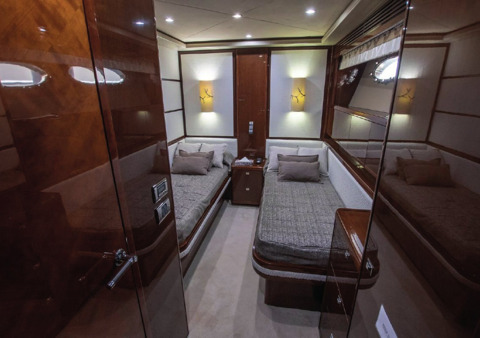 2010 Princess Yachts International 95' 95 HERMITAGE II | Picture 7 of 22