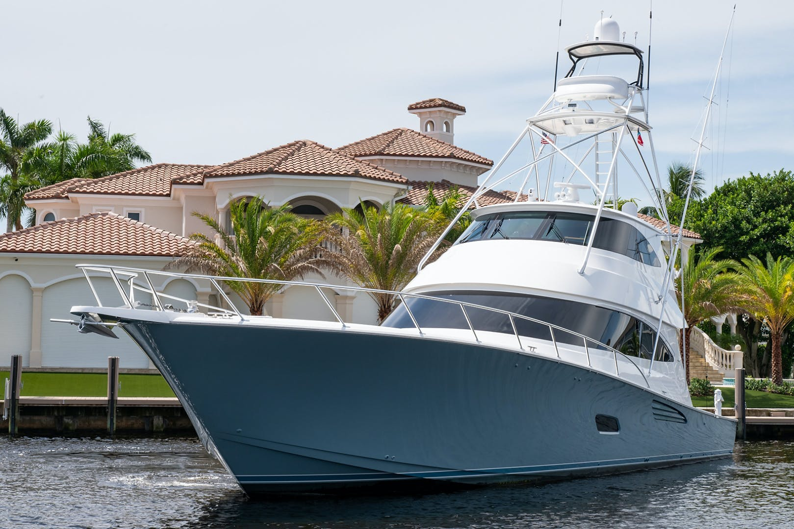 2018 Viking 80' Convertible Gray Ghost | Picture 3 of 55