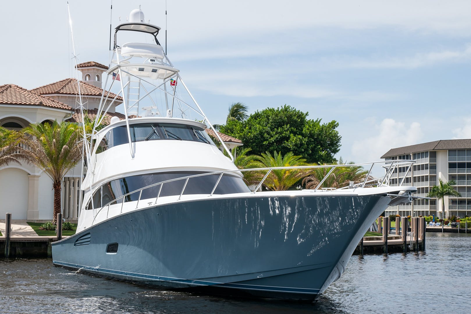 2018 Viking 80' Convertible Gray Ghost | Picture 2 of 55