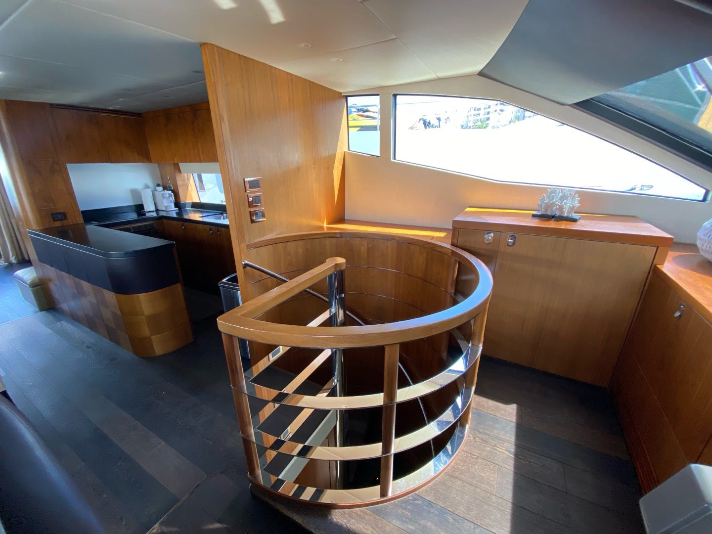 2014 Sunseeker 75' 75 Yacht Savi II  | Picture 4 of 52