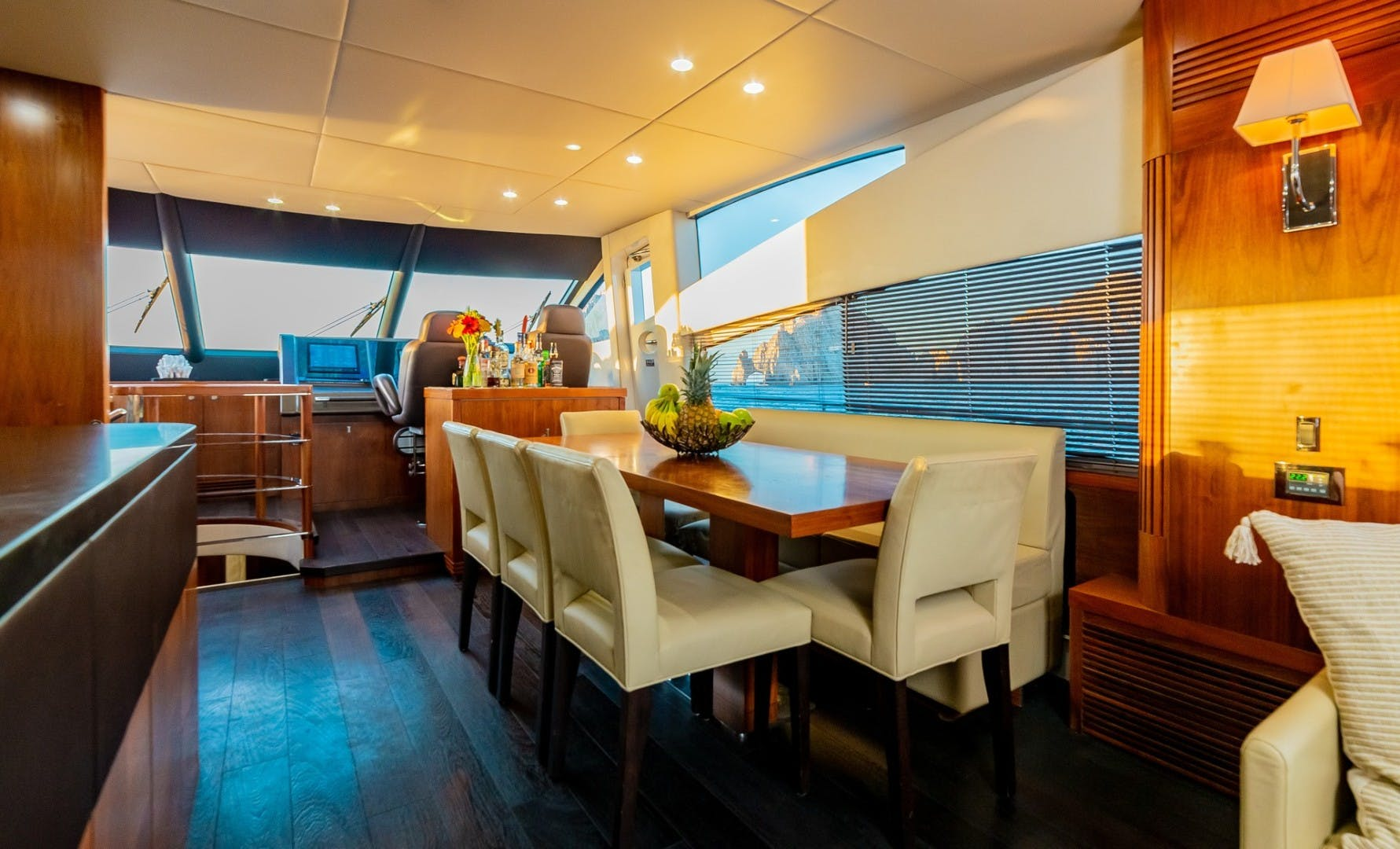 2014 Sunseeker 75' 75 Yacht Savi II  | Picture 5 of 52