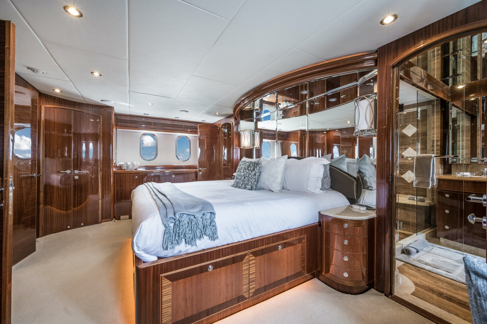 2010 Hargrave 101' 101 Motor Yacht Limitless | Picture 1 of 79