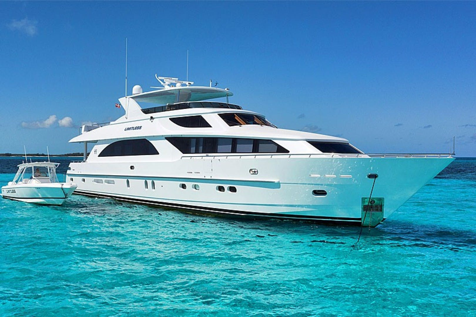 2010 Hargrave 101' 101 Motor Yacht Limitless | Picture 4 of 81