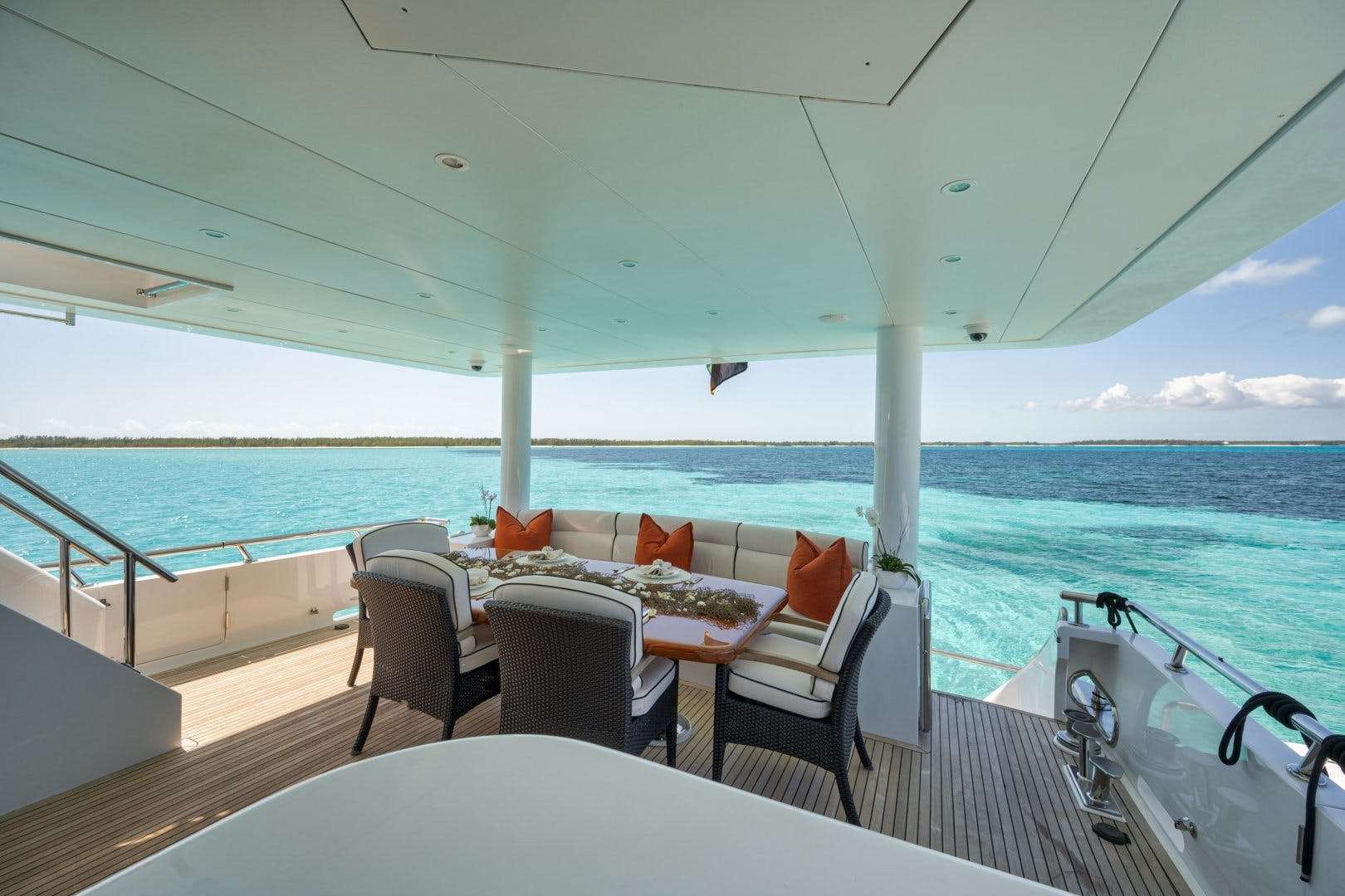 2010 Hargrave 101' 101 Motor Yacht Limitless | Picture 8 of 79