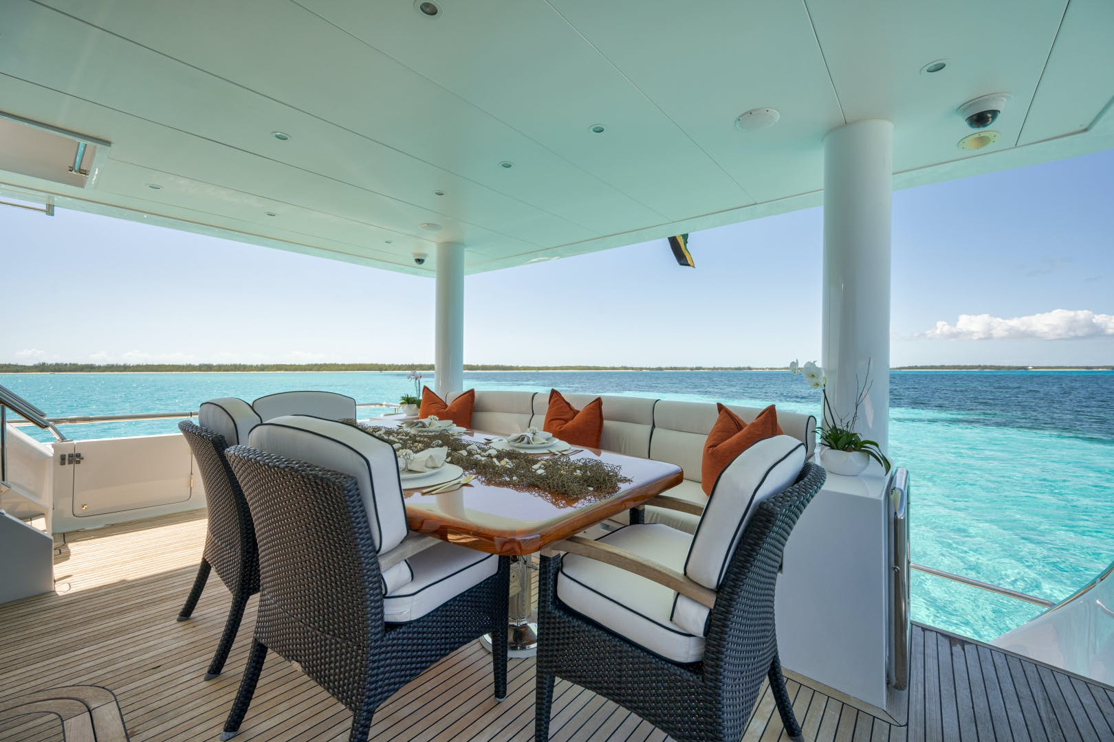 2010 Hargrave 101' 101 Motor Yacht Limitless | Picture 3 of 79