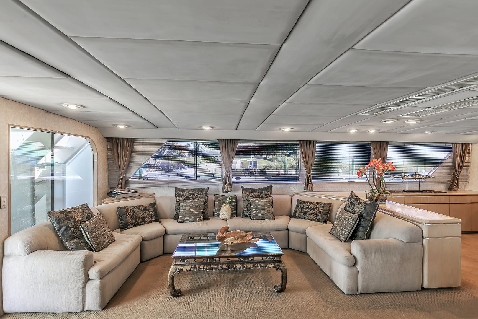 1987 Broward 104' Raised Pilothouse Pathway | Picture 3 of 53