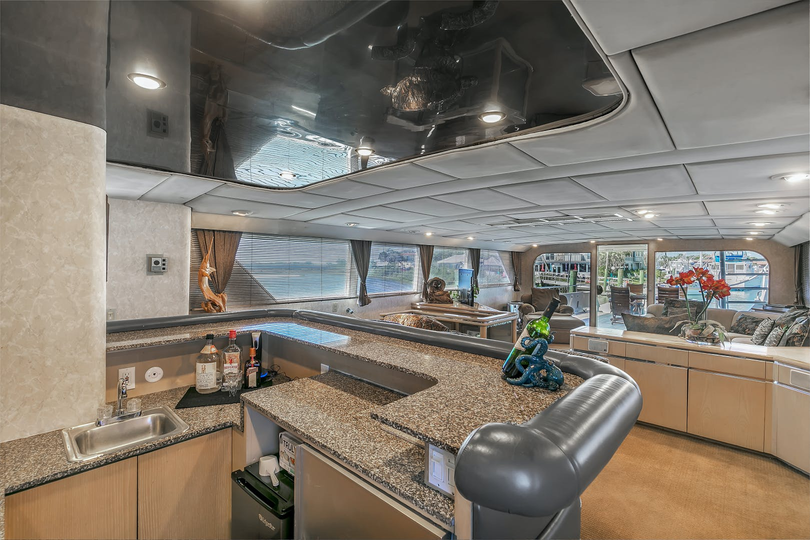 1987 Broward 104' Raised Pilothouse Pathway | Picture 8 of 53