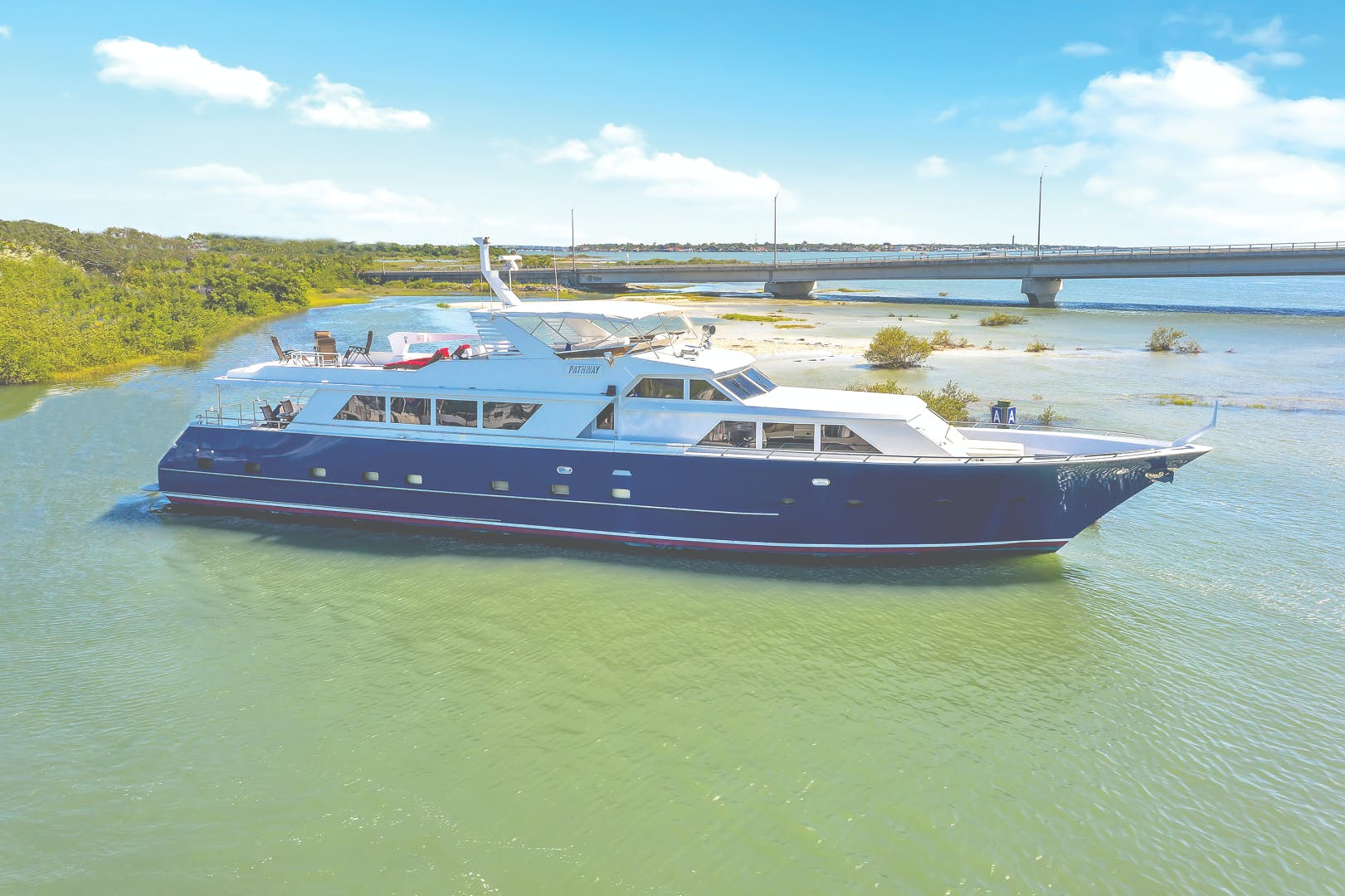 1987 Broward 104' Raised Pilothouse Pathway | Picture 1 of 53
