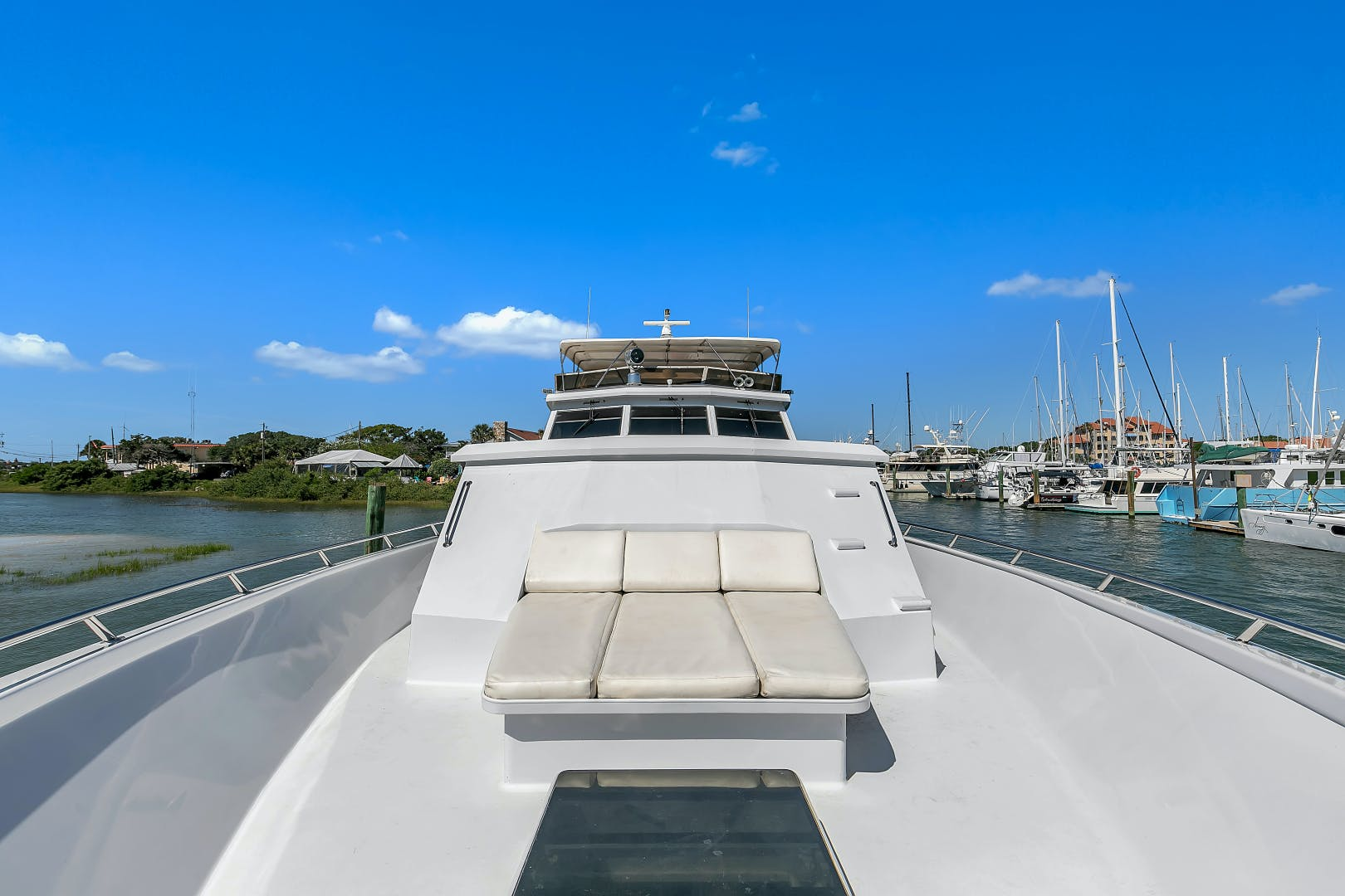 1987 Broward 104' Raised Pilothouse Pathway | Picture 4 of 53