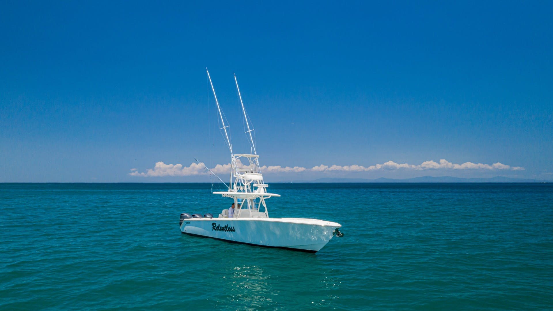 2014 Jupiter 38' 38 Center Console Relentless   Picture 2 of 61