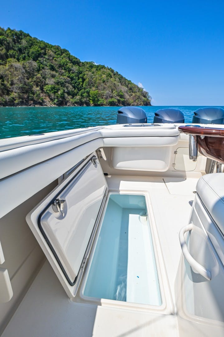 2014 Jupiter 38' 38 Center Console Relentless   Picture 6 of 61