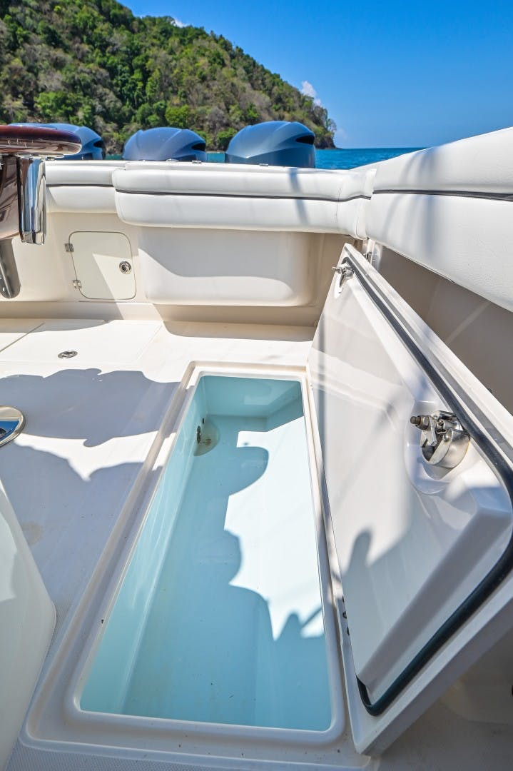 2014 Jupiter 38' 38 Center Console Relentless   Picture 5 of 61