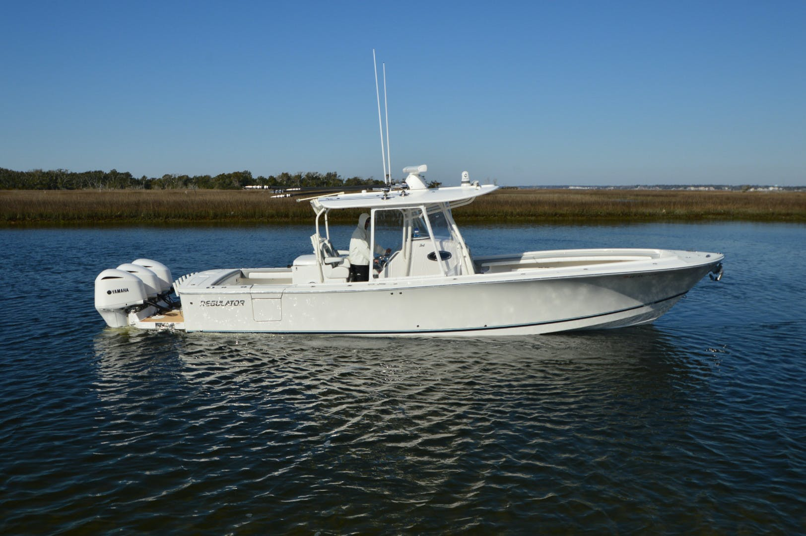 2019 Regulator 34' 34 Paved For | Picture 7 of 42