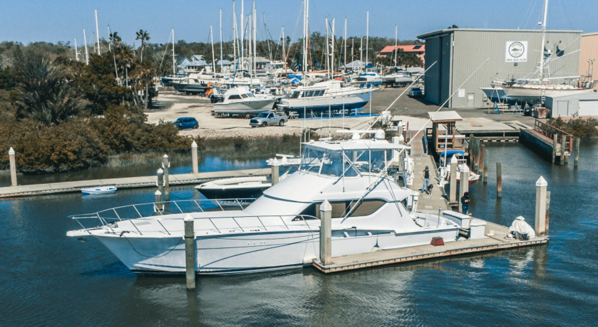 1999 Hatteras 60' Convertible Son House | Picture 1 of 16