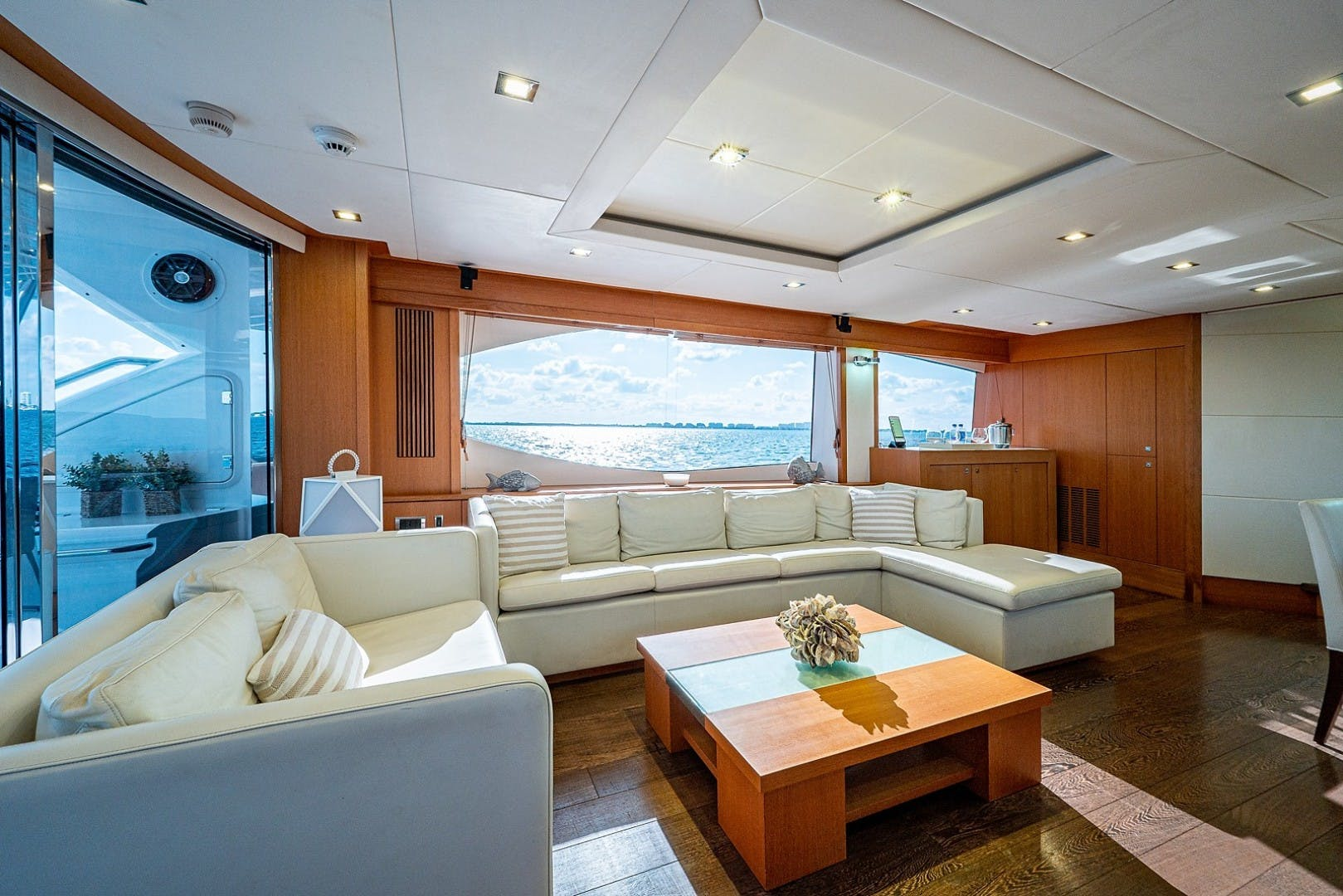 2012 Sunseeker 88' 88 Yacht SEATIVA   Picture 3 of 28