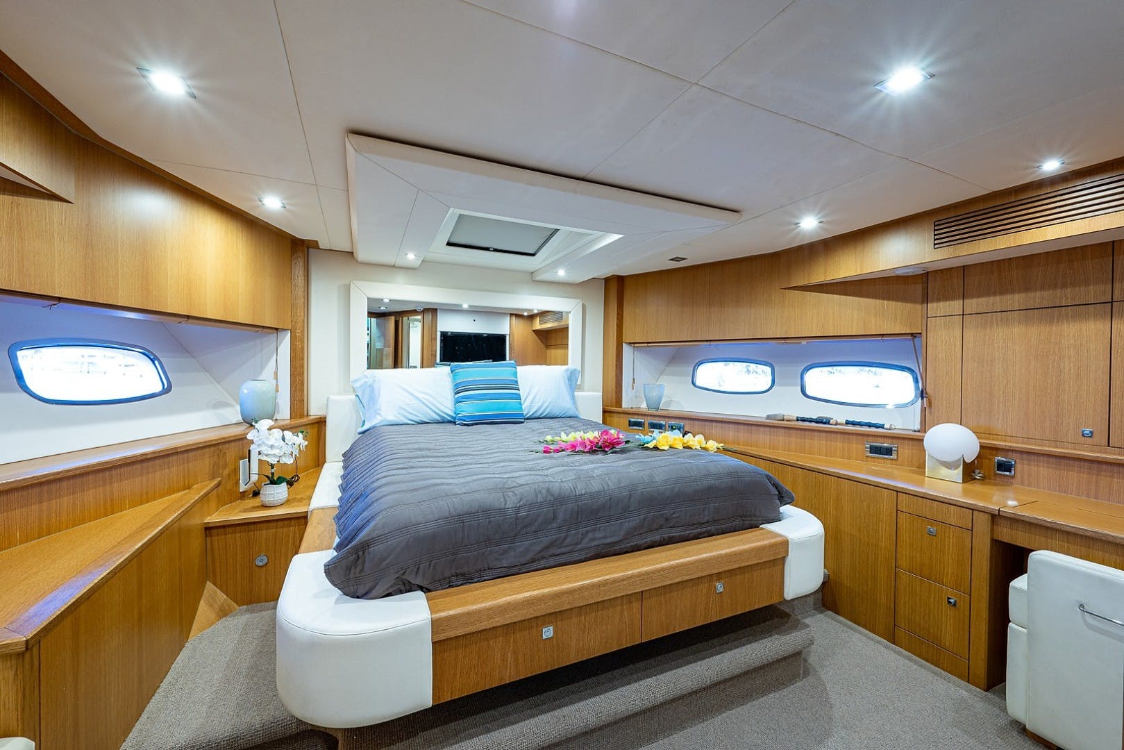 2012 Sunseeker 88' 88 Yacht SEATIVA   Picture 5 of 28