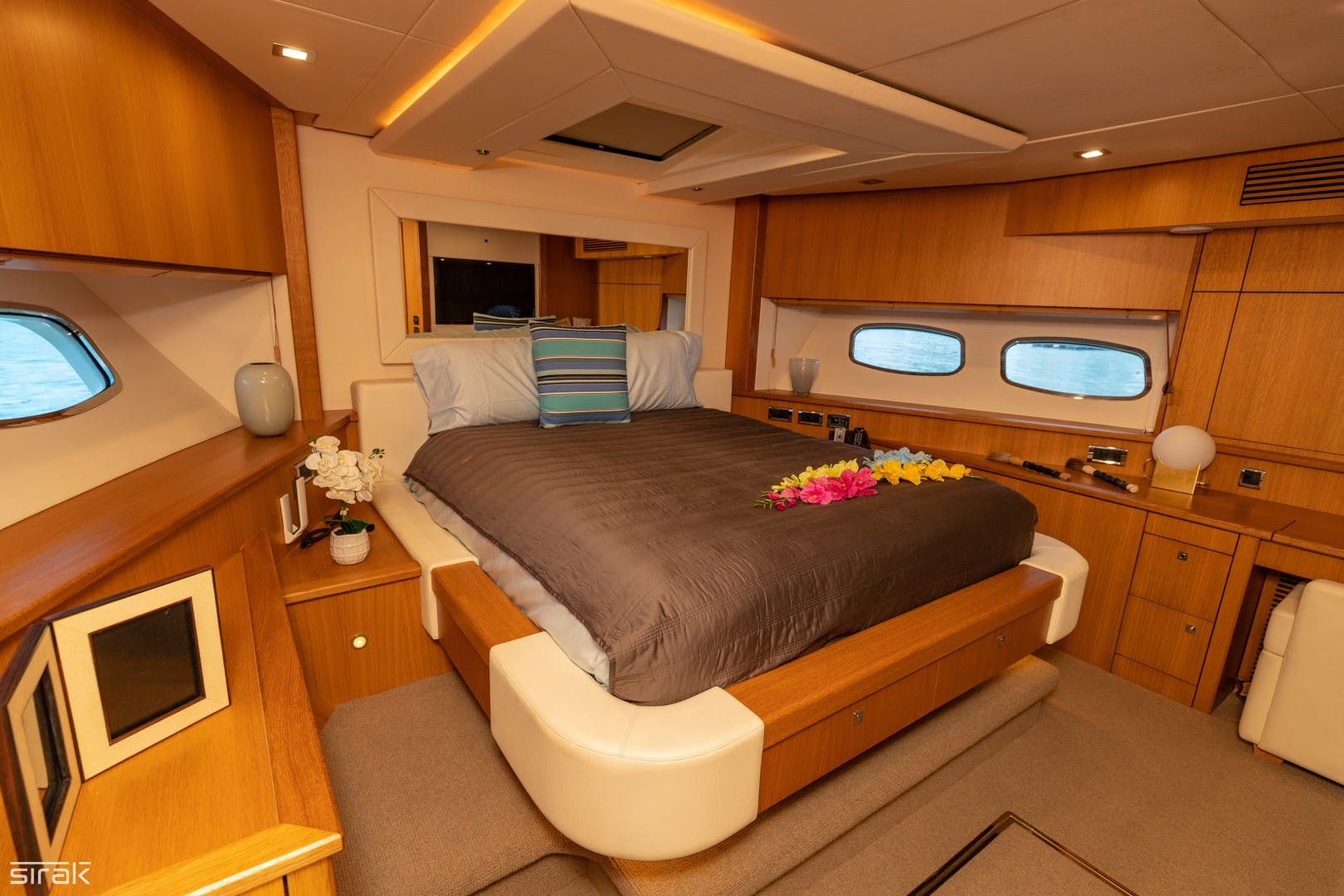 2012 Sunseeker 88' 88 Yacht SEATIVA | Picture 8 of 16