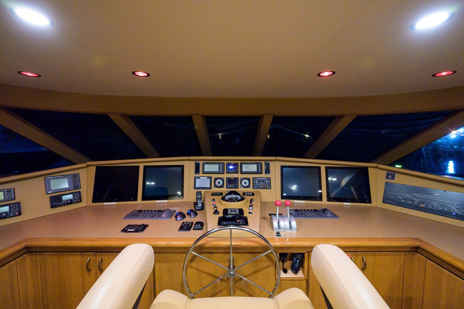 2002 Westport 112' Raised Pilothouse WENDY I | Picture 4 of 50