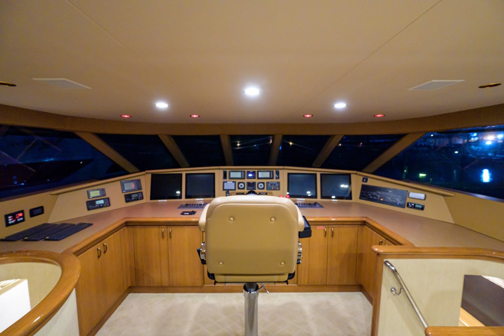 2002 Westport 112' Raised Pilothouse WENDY I | Picture 3 of 50
