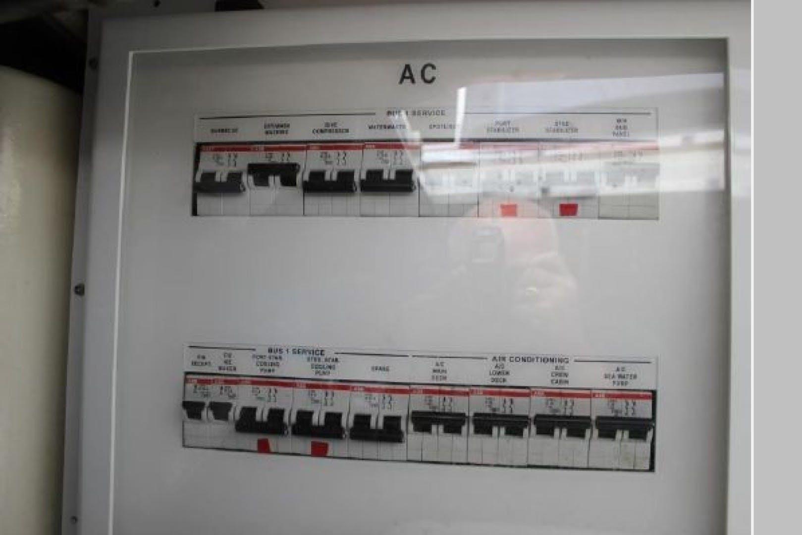 2009 Azimut 62' 62 Evolution Odyssea  | Picture 2 of 61