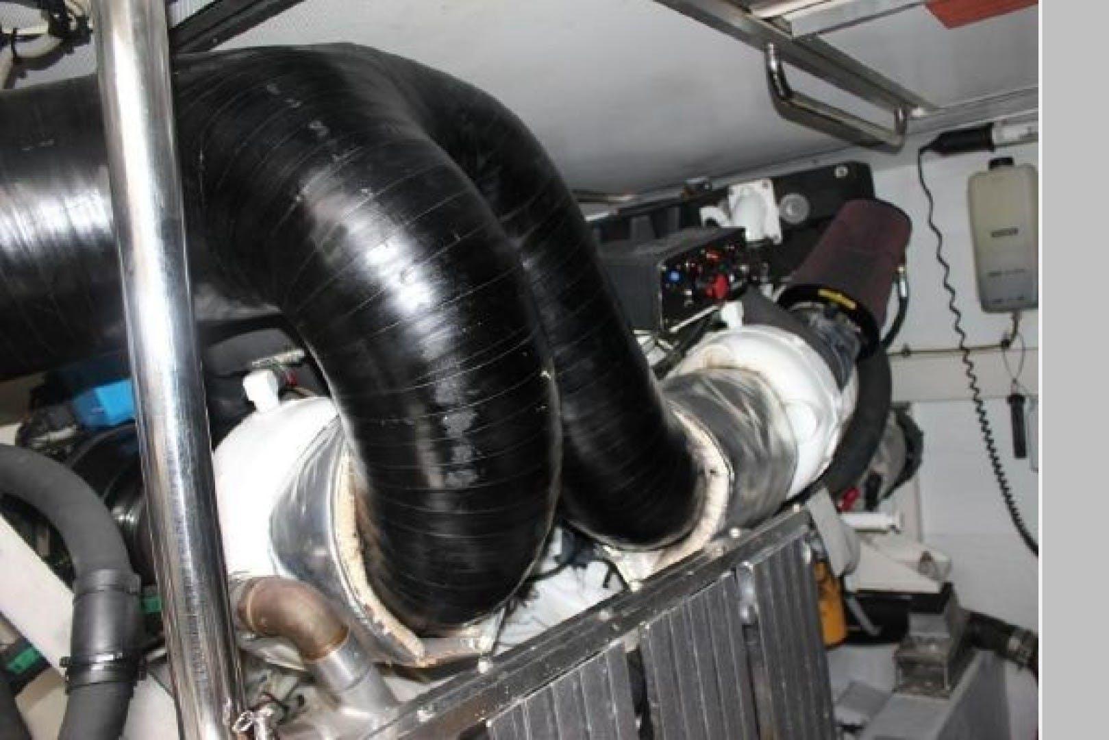 2009 Azimut 62' 62 Evolution Odyssea  | Picture 8 of 61