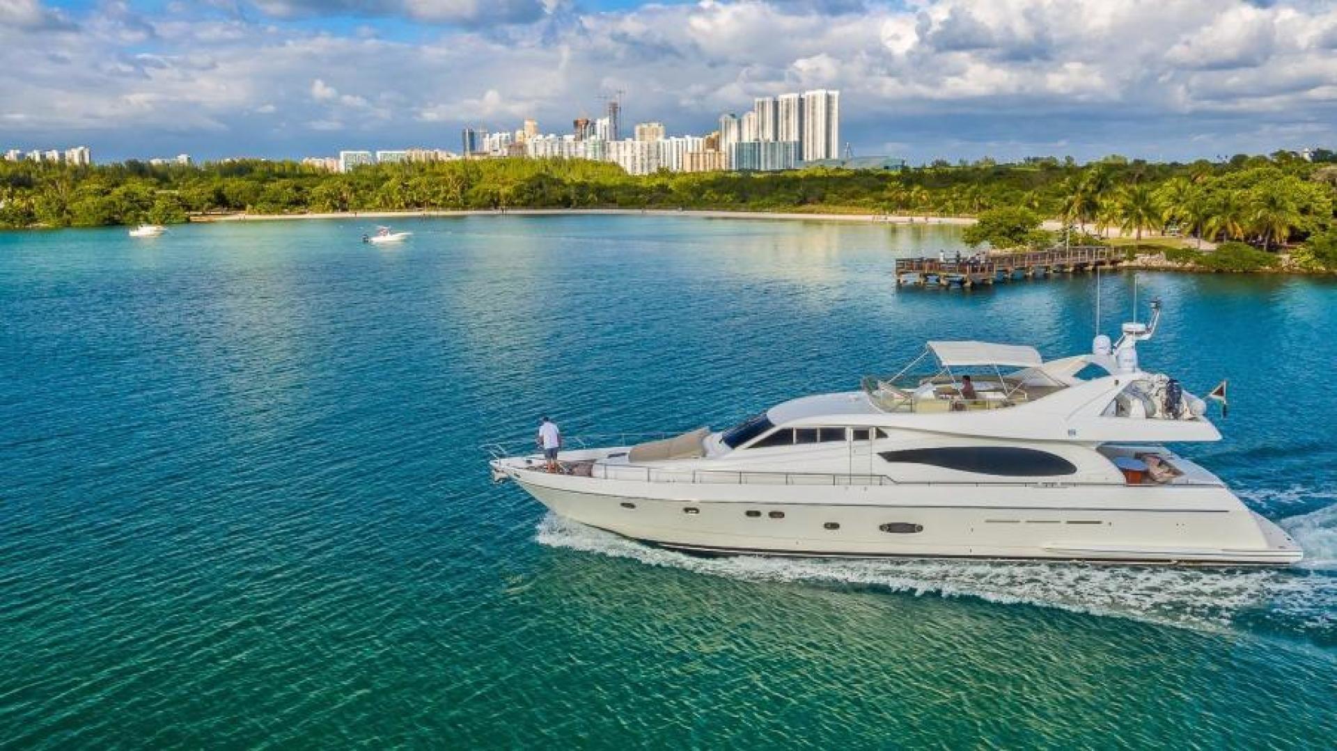 2003 Ferretti Yachts 73'