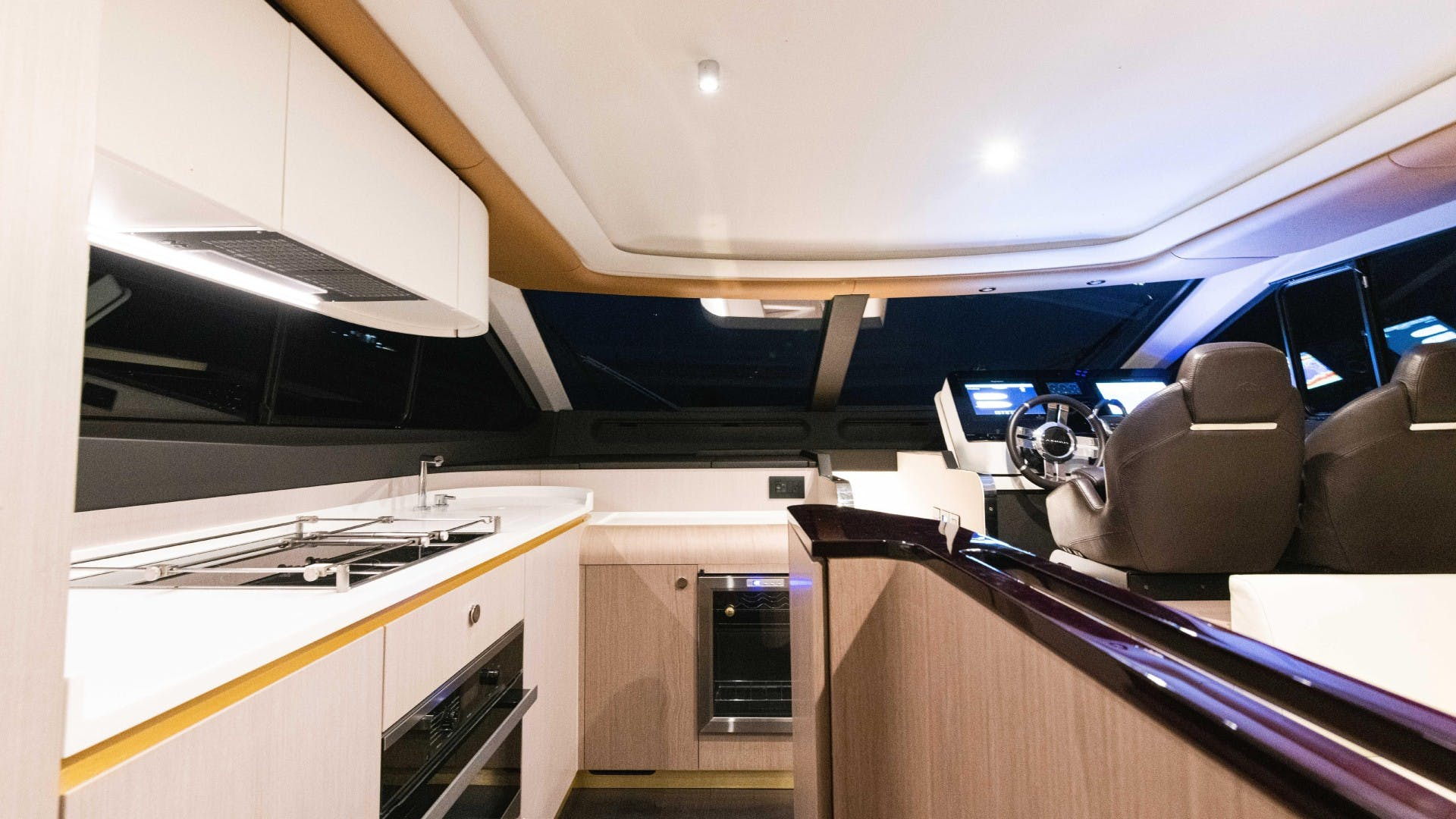 2019 Azimut 60' FLY Still Dreaming | Picture 8 of 99