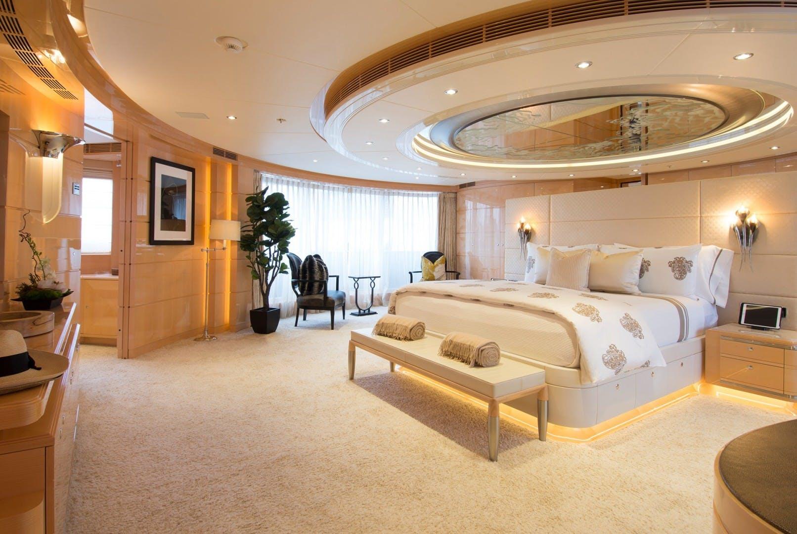 2011 Heesen Yachts 180' Lloyds, LY2/MCA Abbracci | Picture 8 of 11