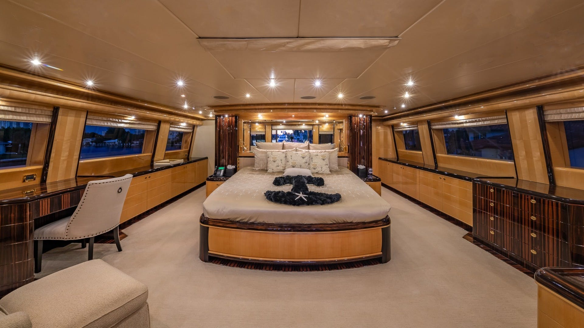 2008 Horizon 132'  Lady Leila | Picture 8 of 40