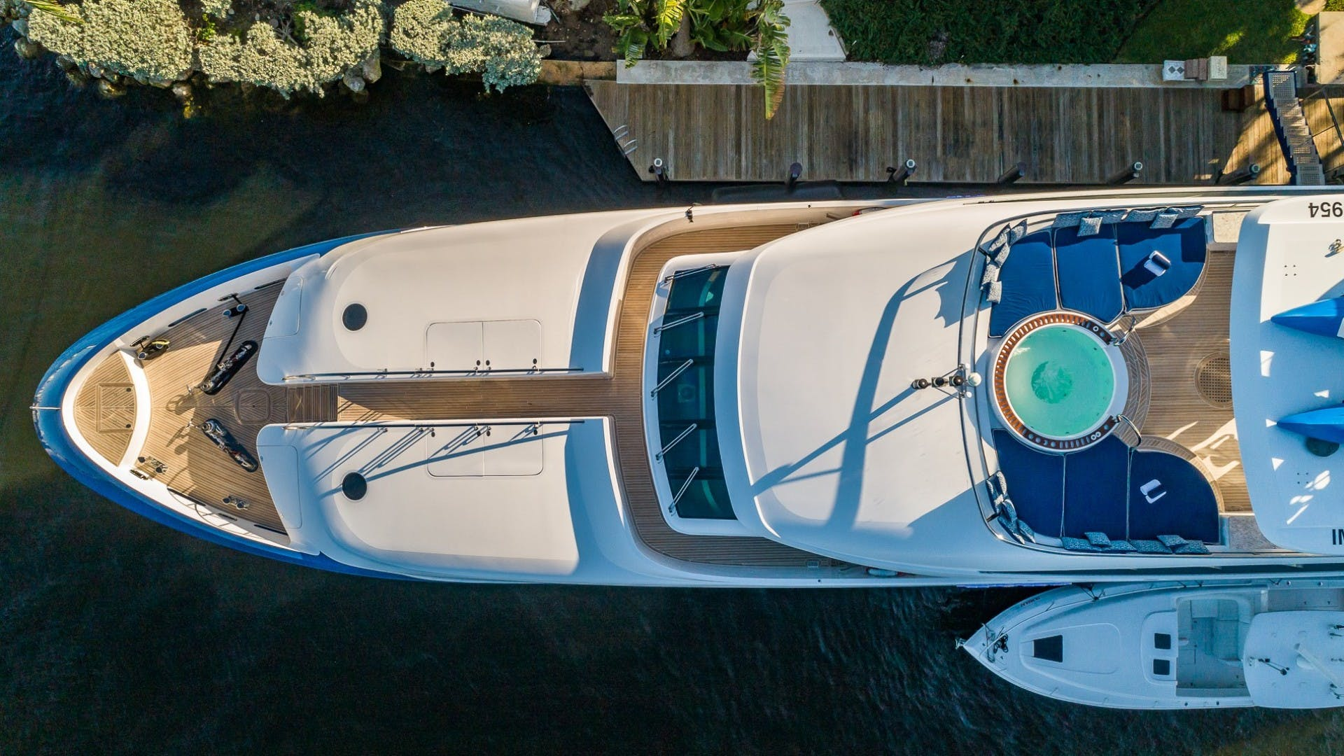 2008 Horizon 132'  Lady Leila | Picture 6 of 40