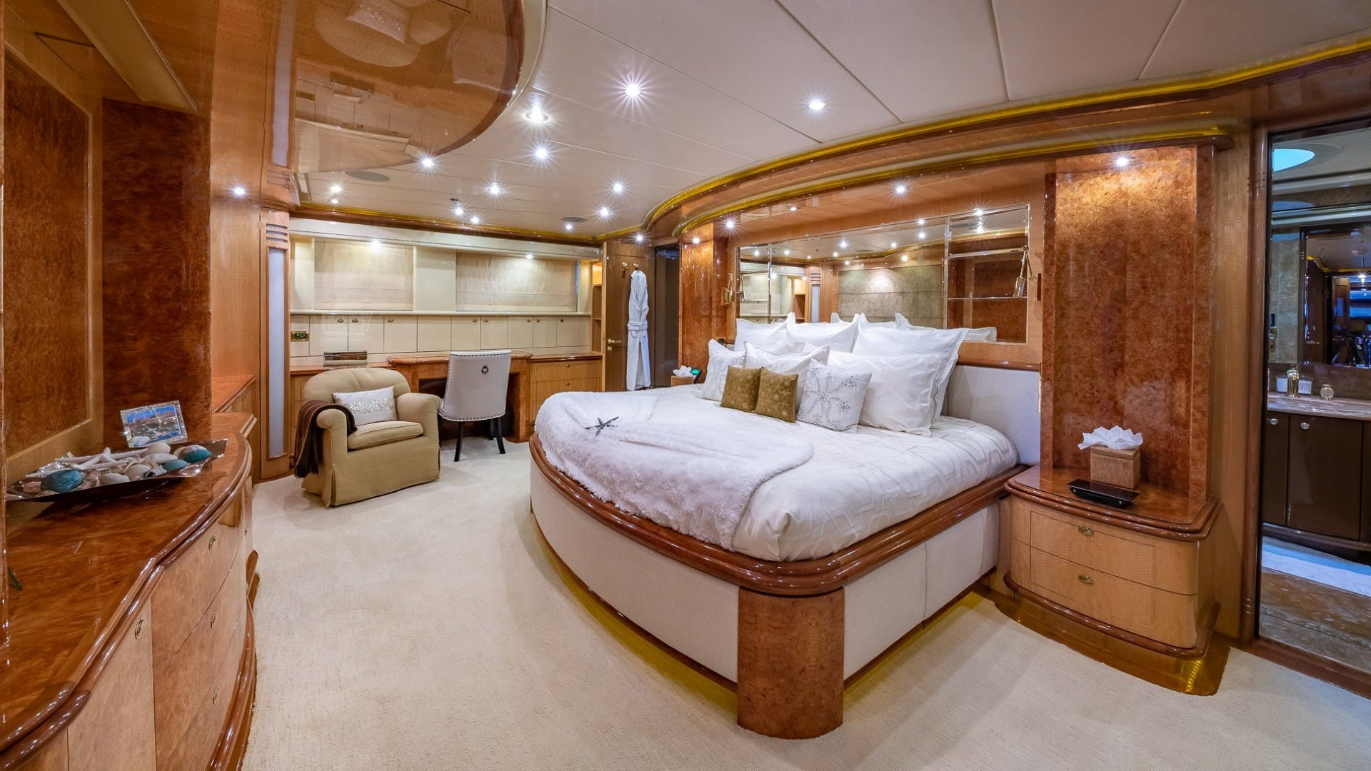 2008 Horizon 132'  Lady Leila | Picture 5 of 40