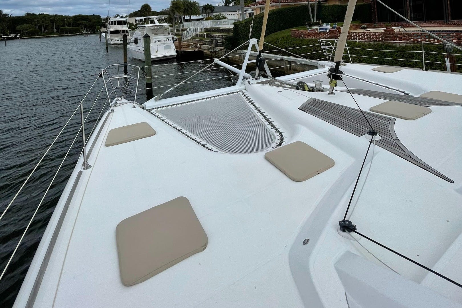 2009 Privilege 60' 615 ELIXIR | Picture 2 of 32
