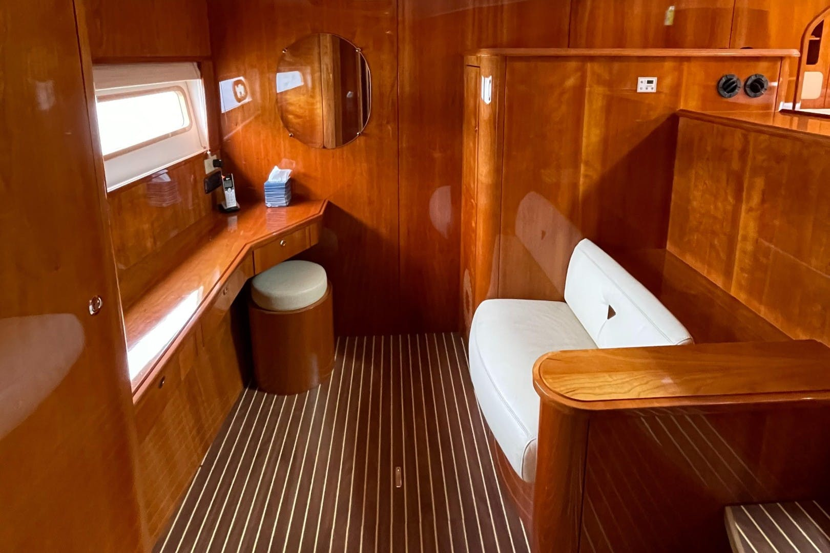 2009 Privilege 60' 615 ELIXIR | Picture 3 of 32