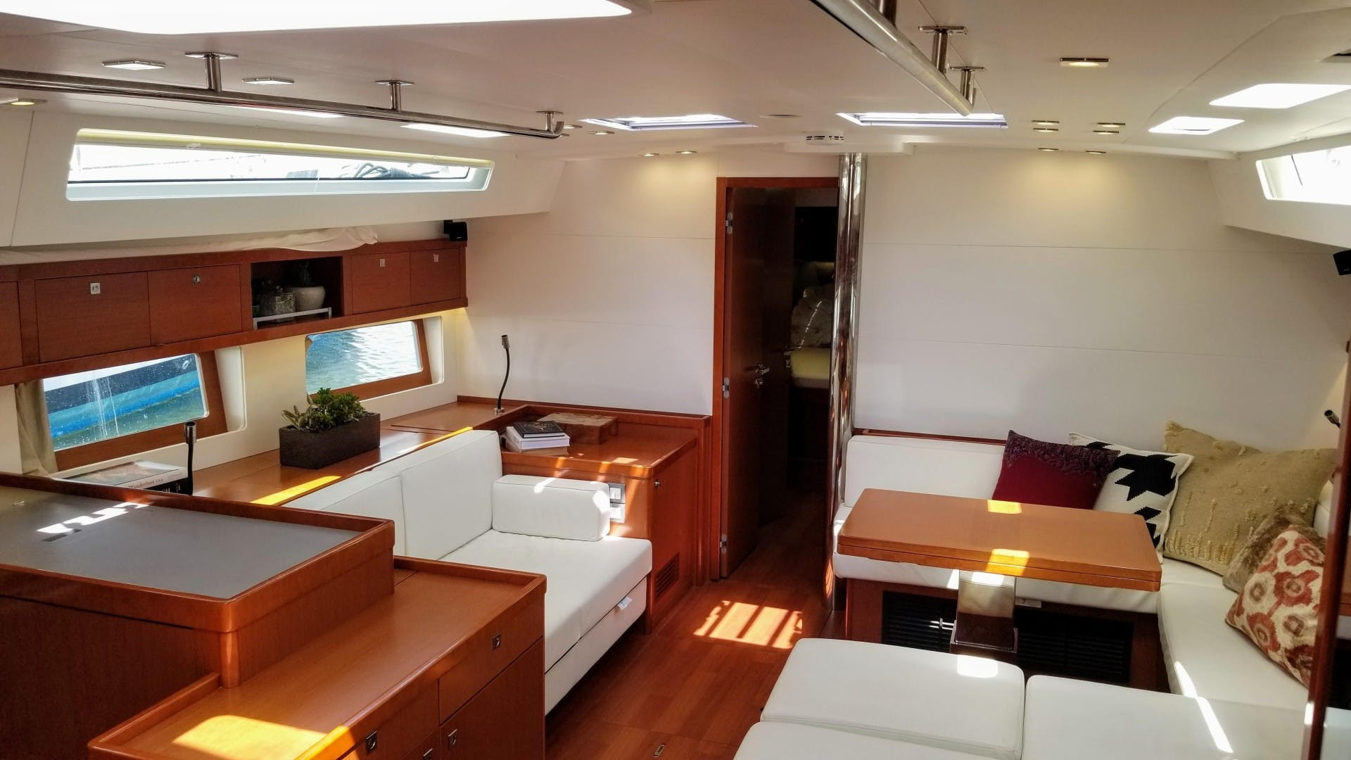 2015 Beneteau 55' Oceanis 55 FIRST SIP | Picture 4 of 33