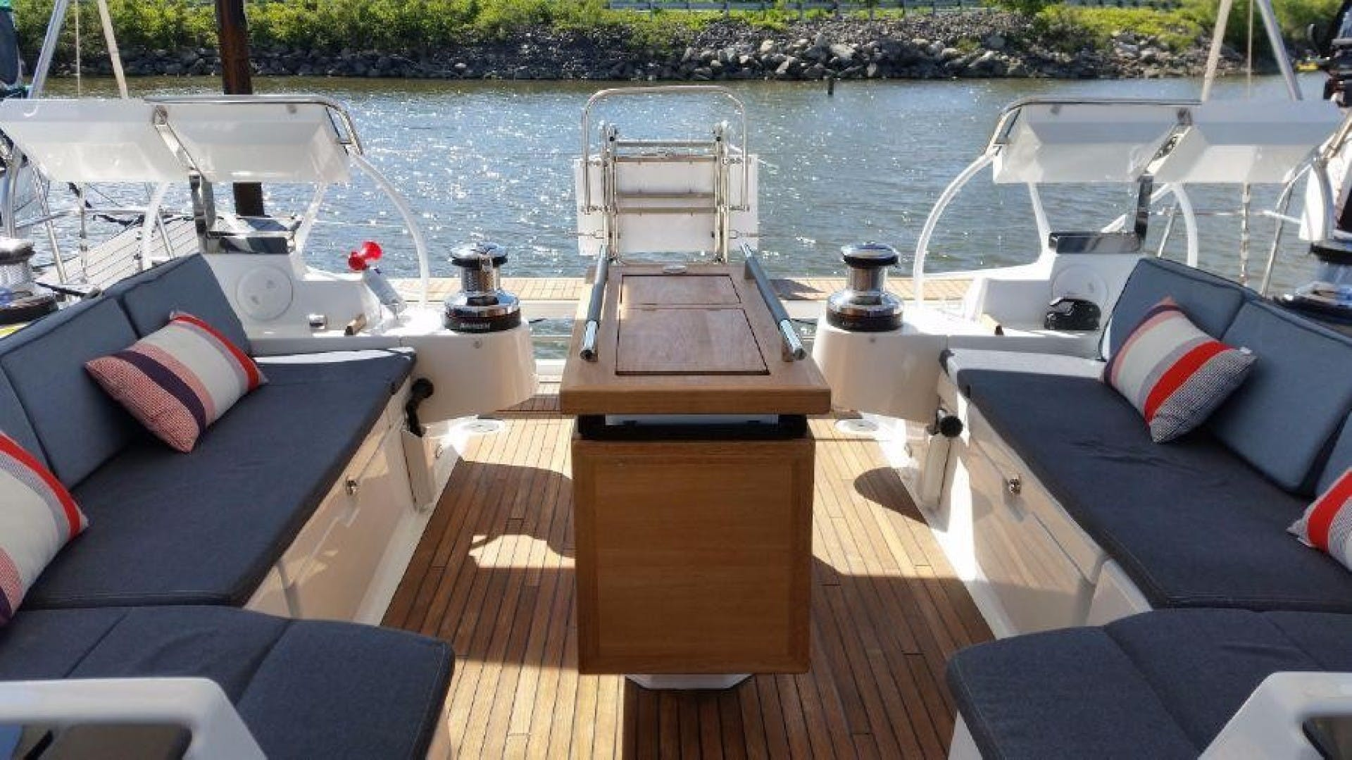 2015 Beneteau 55' Oceanis 55 FIRST SIP | Picture 7 of 33