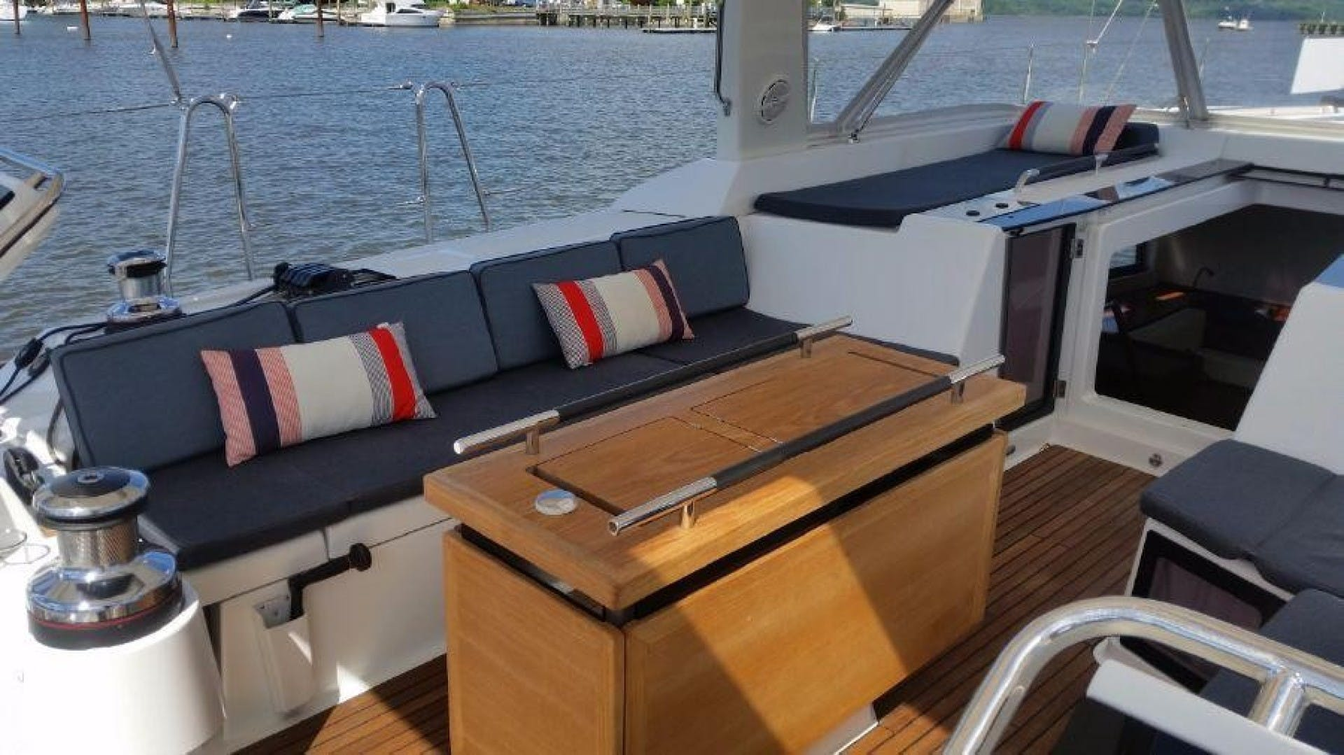 2015 Beneteau 55' Oceanis 55 FIRST SIP | Picture 6 of 33