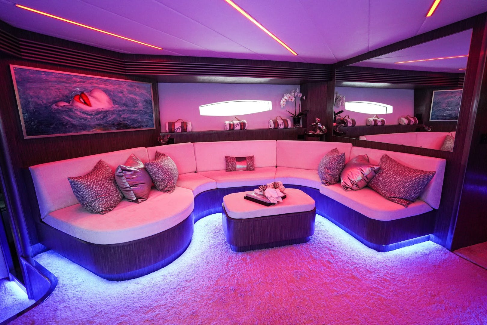 2004 Pershing 88'  Amora | Picture 6 of 45