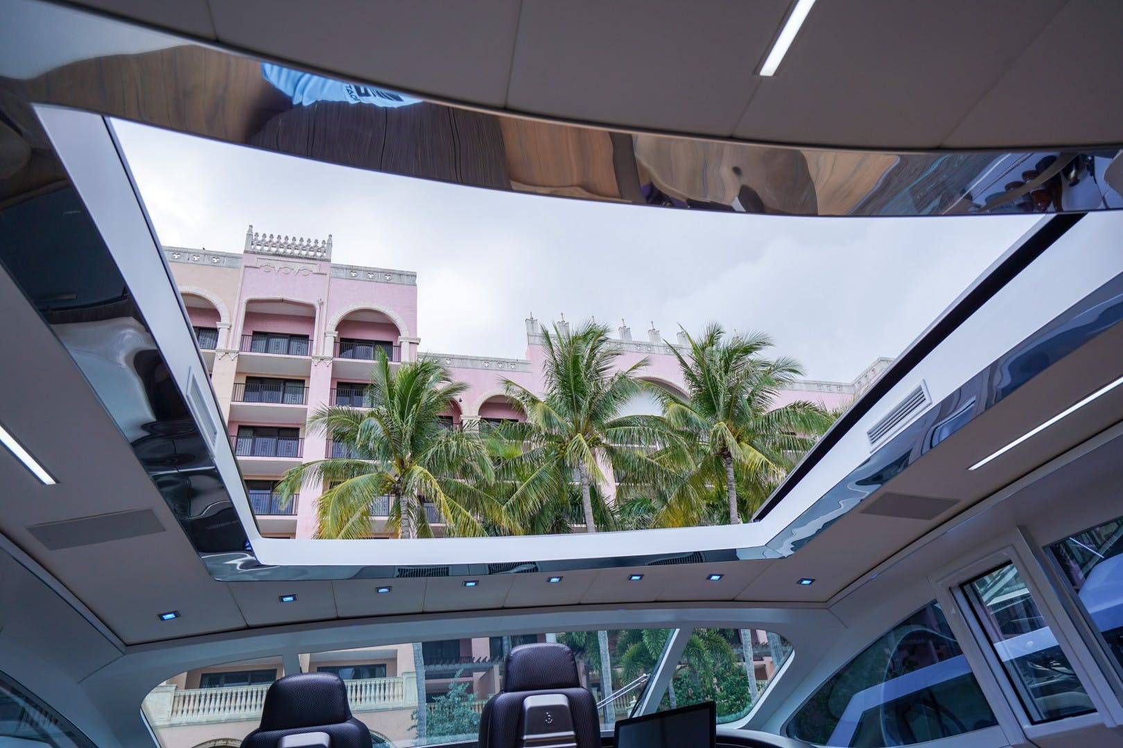 2004 Pershing 88'  Amora | Picture 8 of 45