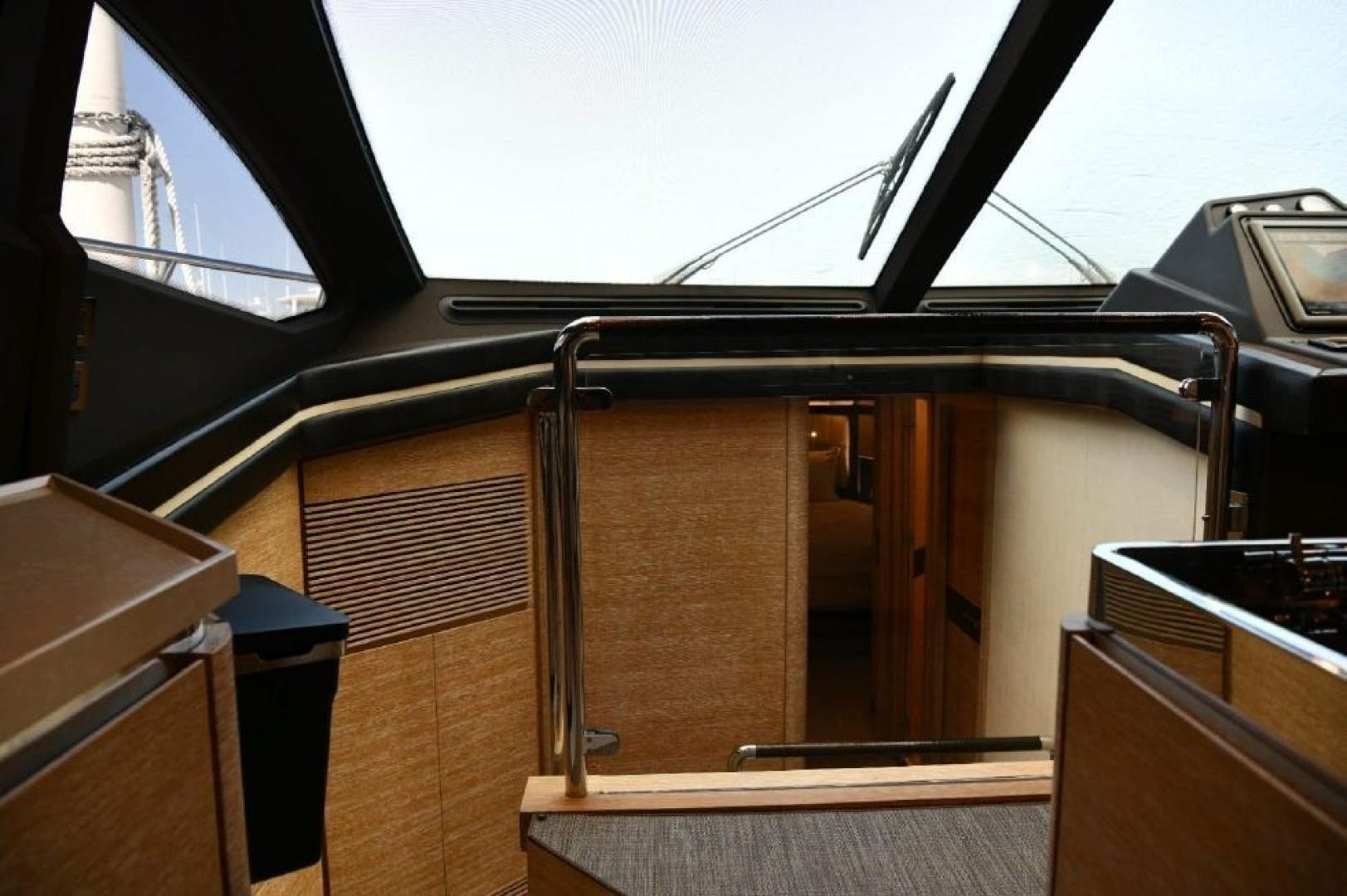 2013 Azimut 64'   | Picture 6 of 48