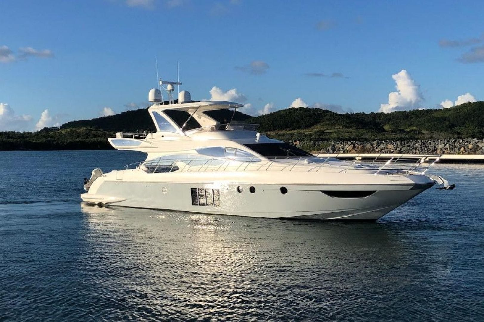 2013 Azimut 64'   | Picture 1 of 48