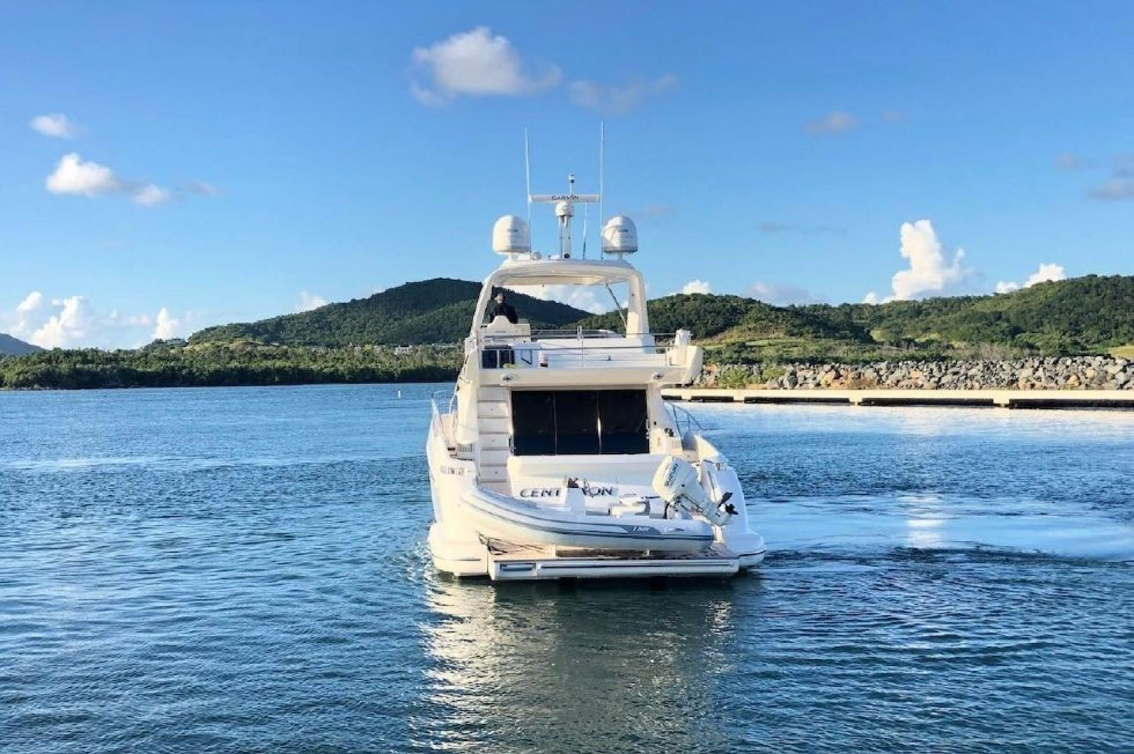 2013 Azimut 64'     Picture 8 of 48
